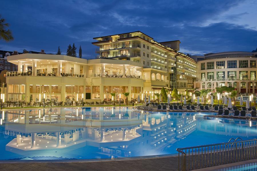 https://aventur.ro/assets/media/imagini_hoteluri/KEBAKE/KEBAKE-HotelPict1-21438.jpg