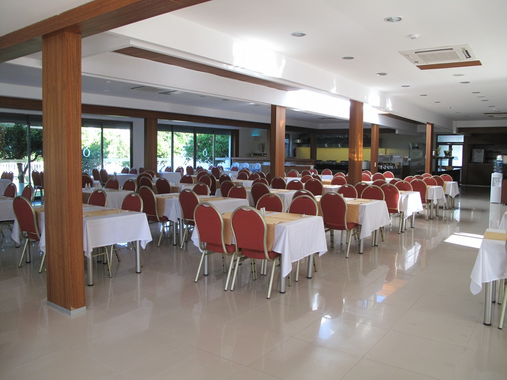 https://aventur.ro/assets/media/imagini_hoteluri/KEBATO/KEBATO-HotelPict6-9404.jpg
