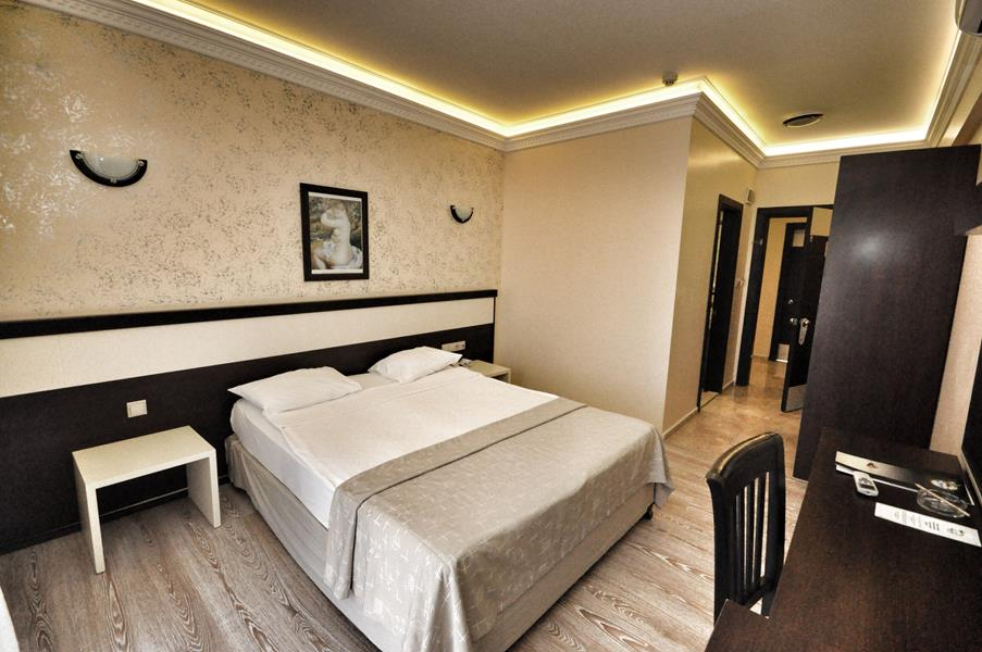 https://aventur.ro/assets/media/imagini_hoteluri/KECAMY/KECAMY-HotelPict5-21452.jpg