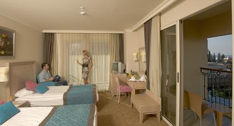 https://aventur.ro/assets/media/imagini_hoteluri/KECRDE/KECRDE-HotelPict6-12195.jpg