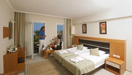 https://aventur.ro/assets/media/imagini_hoteluri/KECRFL/KECRFL-HotelPict5-12203.jpg