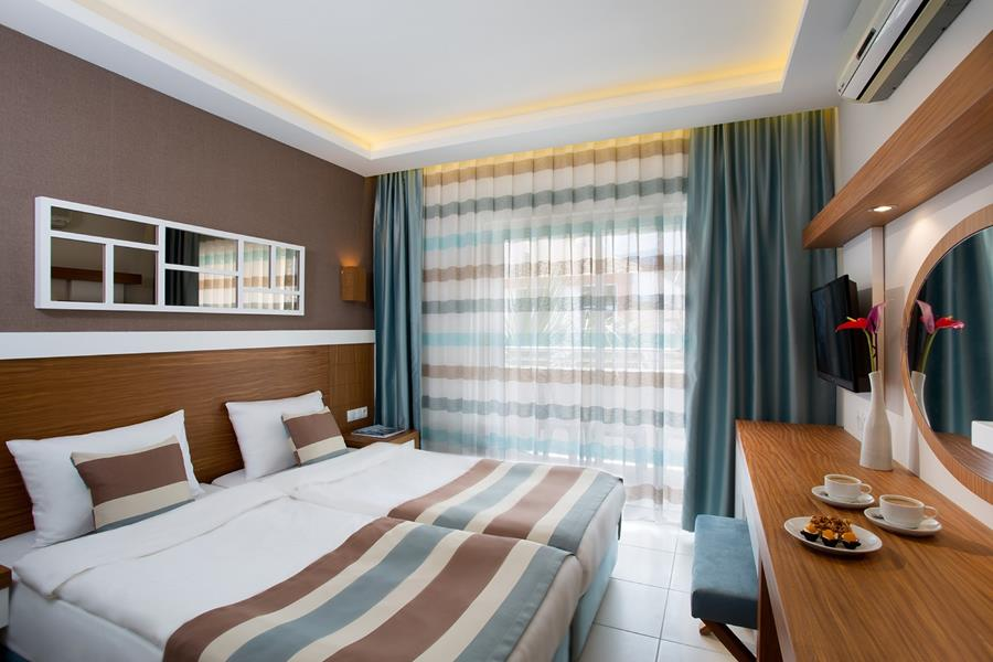 https://aventur.ro/assets/media/imagini_hoteluri/KEIKO/KEIKO-HotelPict10-21868.jpg