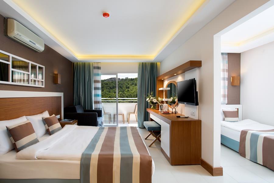 https://aventur.ro/assets/media/imagini_hoteluri/KEIKO/KEIKO-HotelPict8-21866.jpg