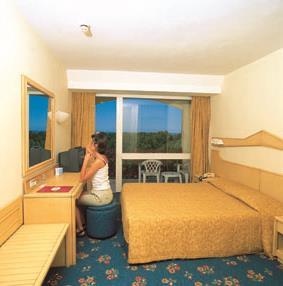 https://aventur.ro/assets/media/imagini_hoteluri/KEJEFE/KEJEFE-HotelPict10-8916.jpg