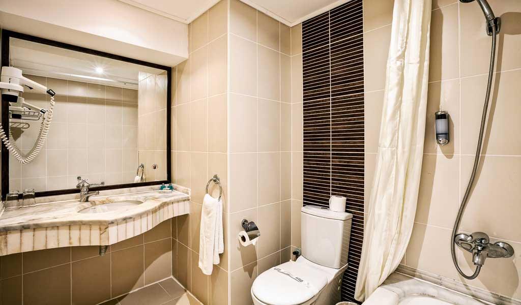 https://aventur.ro/assets/media/imagini_hoteluri/KEJEFE/KEJEFE-HotelPict15-15845.jpg