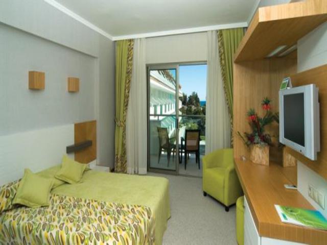 https://aventur.ro/assets/media/imagini_hoteluri/KEKERE/KEKERE-HotelPict2-7320.jpg