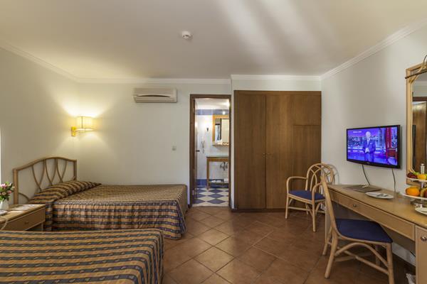 https://aventur.ro/assets/media/imagini_hoteluri/KELAAR/KELAAR-HotelPict4-12413.jpg