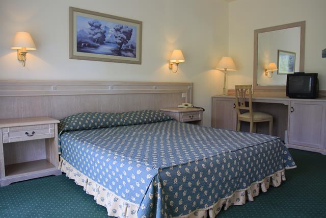 https://aventur.ro/assets/media/imagini_hoteluri/KEMABI/KEMABI-HotelPict3-8681.jpg