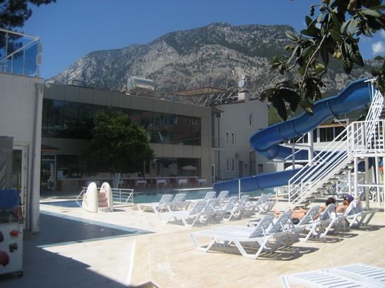 https://aventur.ro/assets/media/imagini_hoteluri/KEMADI/KEMADI-HotelPict13-12426.jpg