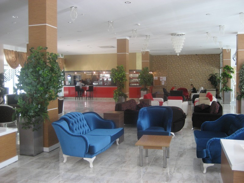 https://aventur.ro/assets/media/imagini_hoteluri/KEMADI/KEMADI-HotelPict2-9147.jpg