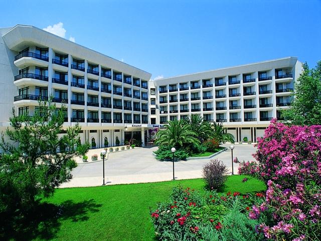 https://aventur.ro/assets/media/imagini_hoteluri/KEMARI/KEMARI-HotelPict7-6539.jpg