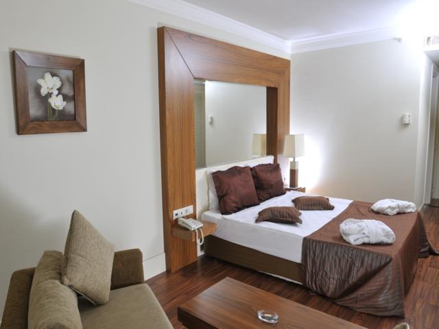 https://aventur.ro/assets/media/imagini_hoteluri/KEMEDE/KEMEDE-HotelPict5-4213.jpg