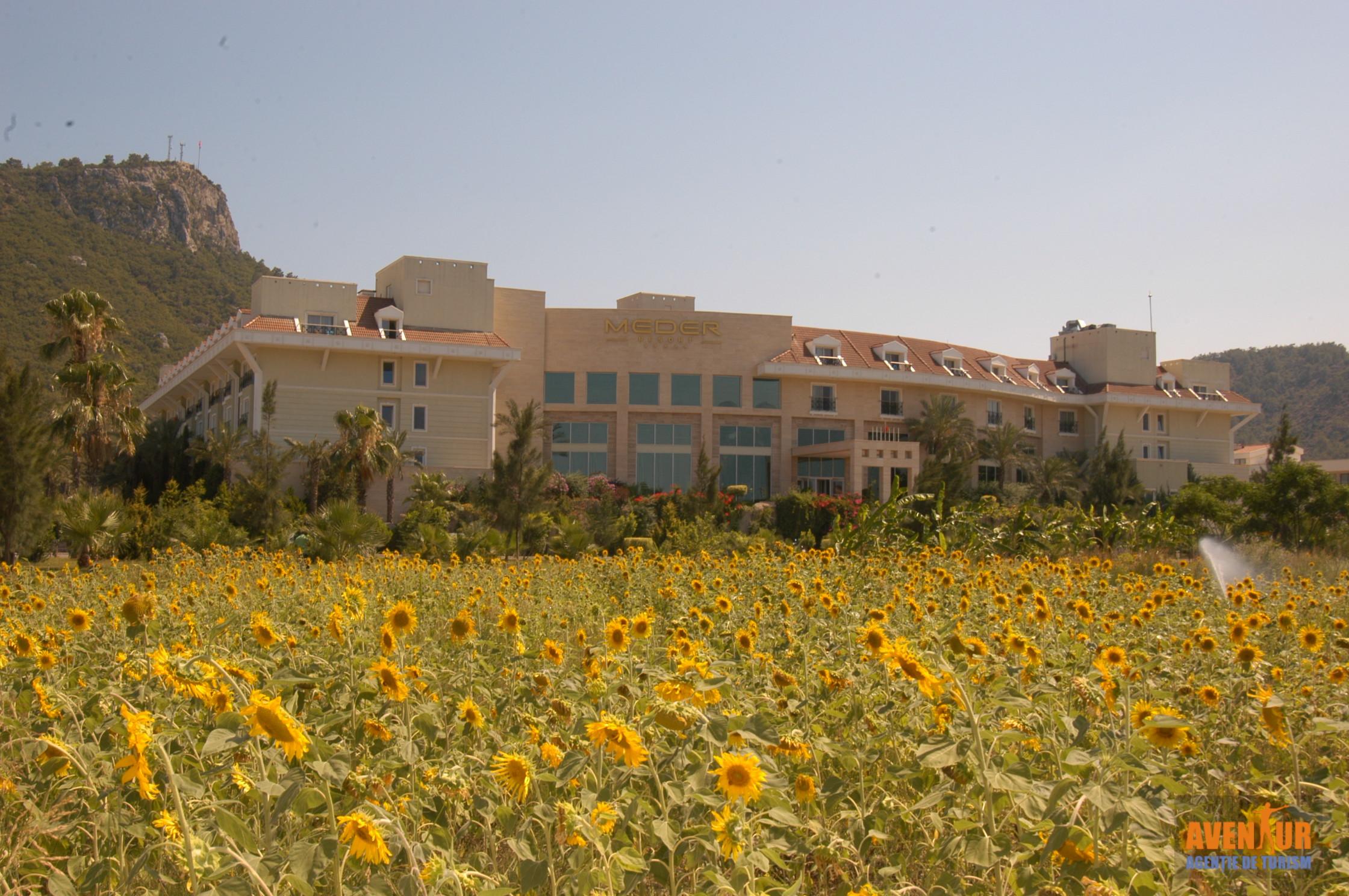 https://aventur.ro/assets/media/imagini_hoteluri/KEMEDE/Kemer_Meder_Resort_Hotel.JPG