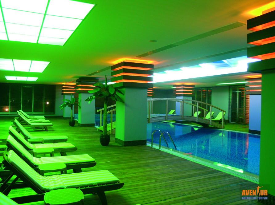 https://aventur.ro/assets/media/imagini_hoteluri/KEMEDE/Kemer_Meder_Resort_Hotel_3.jpg