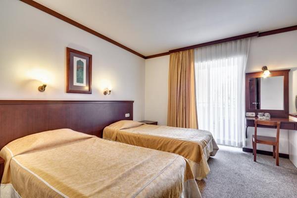 https://aventur.ro/assets/media/imagini_hoteluri/KENAR/KENAR-HotelPict10-12471.jpg