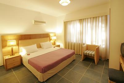 https://aventur.ro/assets/media/imagini_hoteluri/KESALI/KESALI-HotelPict7-12182.jpg