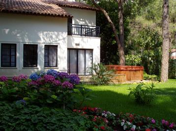 https://aventur.ro/assets/media/imagini_hoteluri/KESALI/KESALI-HotelPict9-12184.jpg