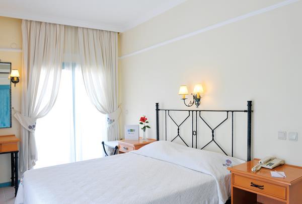 https://aventur.ro/assets/media/imagini_hoteluri/KESESU/KESESU-HotelPict4-12512.jpg