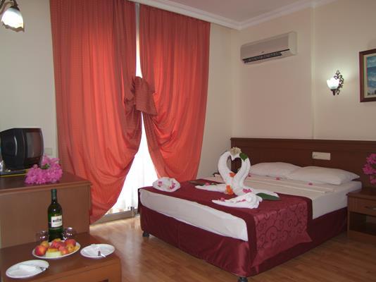 https://aventur.ro/assets/media/imagini_hoteluri/KESTEL/KESTEL-HotelPict8-17010.jpg