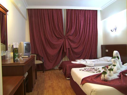 https://aventur.ro/assets/media/imagini_hoteluri/KESTEL/KESTEL-HotelPict9-17011.jpg