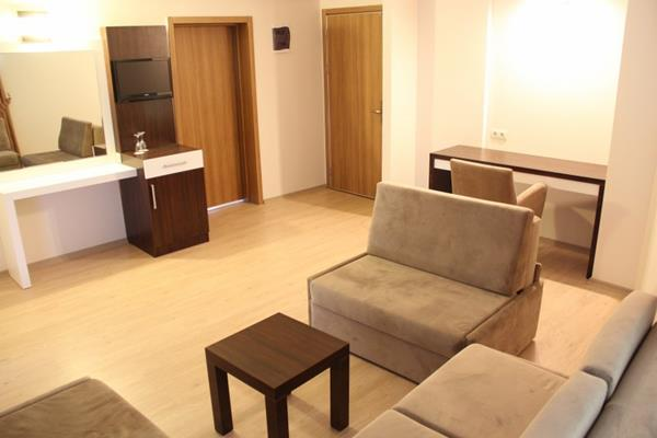 https://aventur.ro/assets/media/imagini_hoteluri/KUALIS/KUALIS-HotelPict8-12562.jpg
