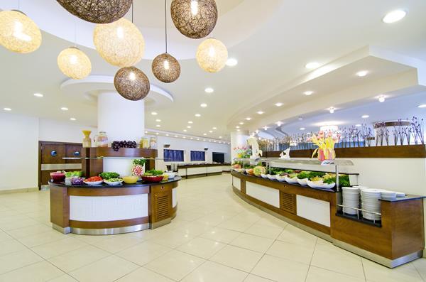 https://aventur.ro/assets/media/imagini_hoteluri/KUATLA/KUATLA-HotelPict6-12596.jpg