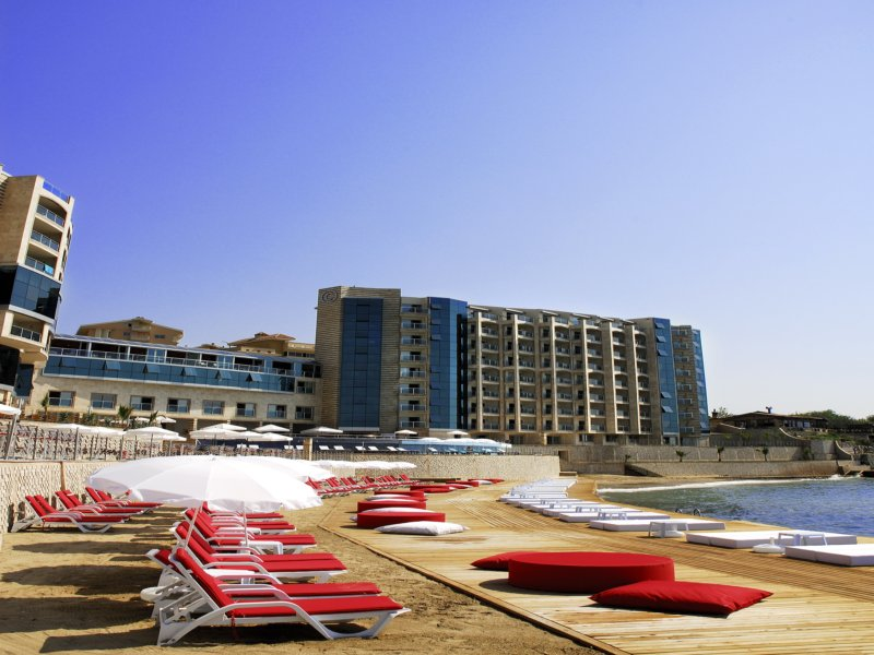 https://aventur.ro/assets/media/imagini_hoteluri/KUCHAR/BEACH_1.jpg