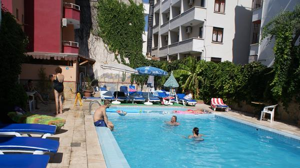 https://aventur.ro/assets/media/imagini_hoteluri/KUCITY/KUCITY-HotelPict4-12649.jpg