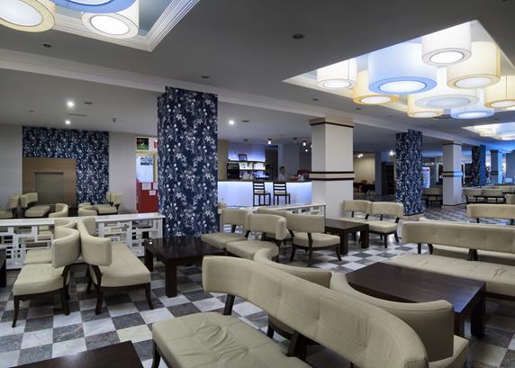 https://aventur.ro/assets/media/imagini_hoteluri/KUEPHE/KUEPHE-HotelPict6-18018.jpg