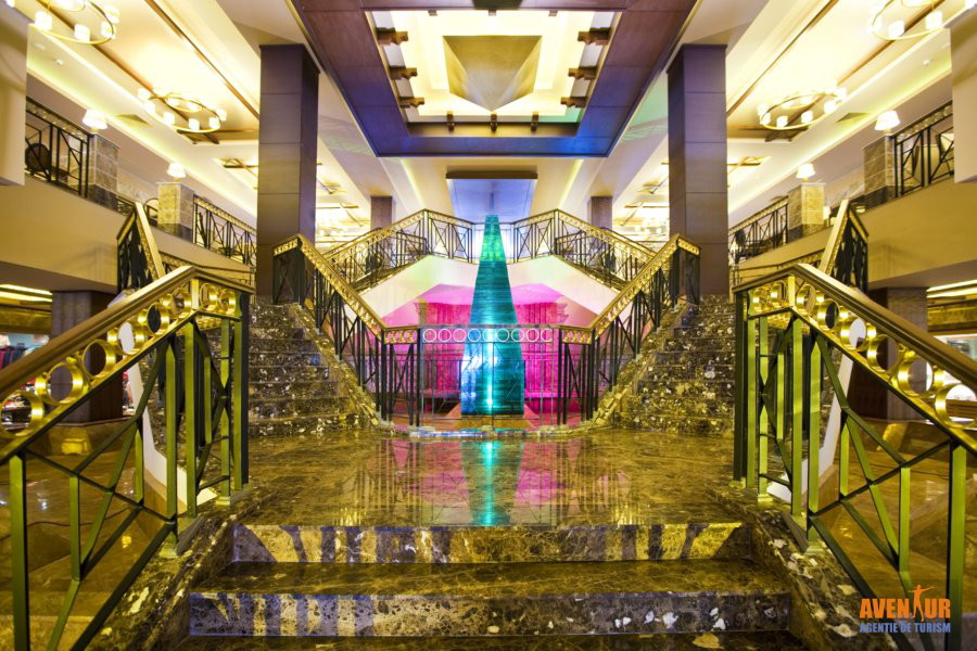 https://aventur.ro/assets/media/imagini_hoteluri/KUFANT/Kusadasi_Fantasia_Deluxe_2.jpg