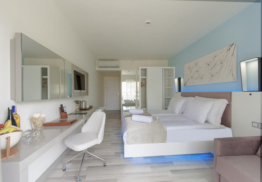 https://aventur.ro/assets/media/imagini_hoteluri/KUFLGA/Kusadasi_Flora_Garden_Ephesus_(6).jpg