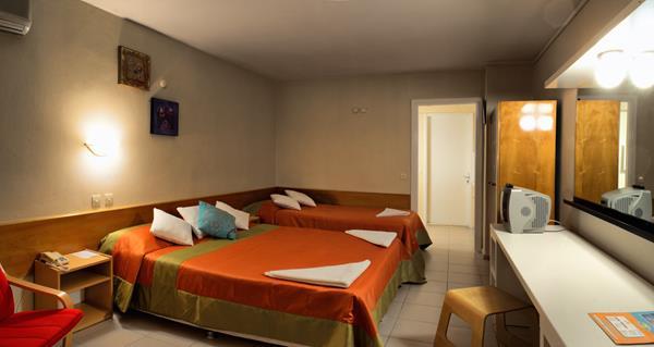 https://aventur.ro/assets/media/imagini_hoteluri/KUGATE/KUGATE-HotelPict15-12763.jpg