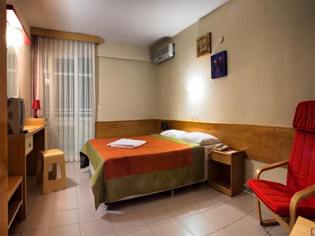 https://aventur.ro/assets/media/imagini_hoteluri/KUGATE/KUGATE-HotelPict3-4724.jpg