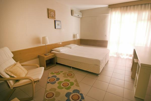 https://aventur.ro/assets/media/imagini_hoteluri/KUGATE/KUGATE-HotelPict9-12757.jpg