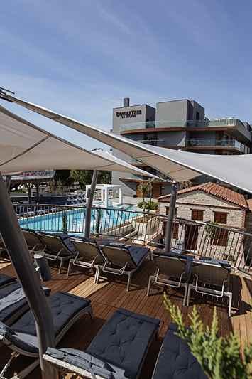 https://aventur.ro/assets/media/imagini_hoteluri/KUHILT/KUHILT-HotelPict12-22942.jpg