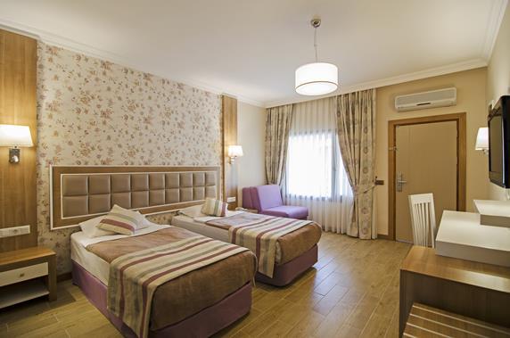 https://aventur.ro/assets/media/imagini_hoteluri/KUKUST/KUKUST-HotelPict5-18442.jpg