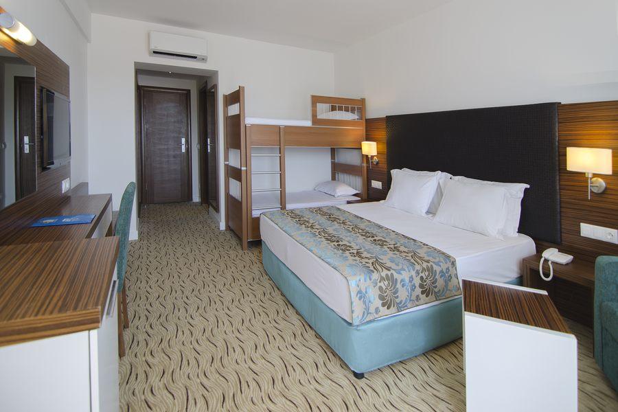 https://aventur.ro/assets/media/imagini_hoteluri/KUPAMK/Kusadasi_Palm_Wings_Resort_2.jpg