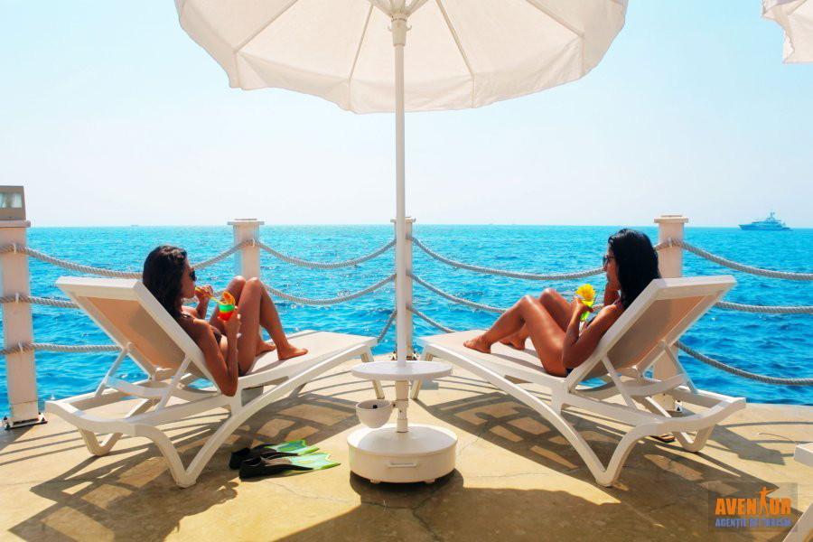 https://aventur.ro/assets/media/imagini_hoteluri/KURAMH/Kusadasi_Ramada-Hotel-Suites-swimming-platform.JPG