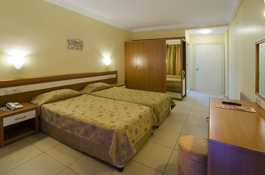 https://aventur.ro/assets/media/imagini_hoteluri/KUSEAP/KUSEAP-HotelPict15-20654.jpg