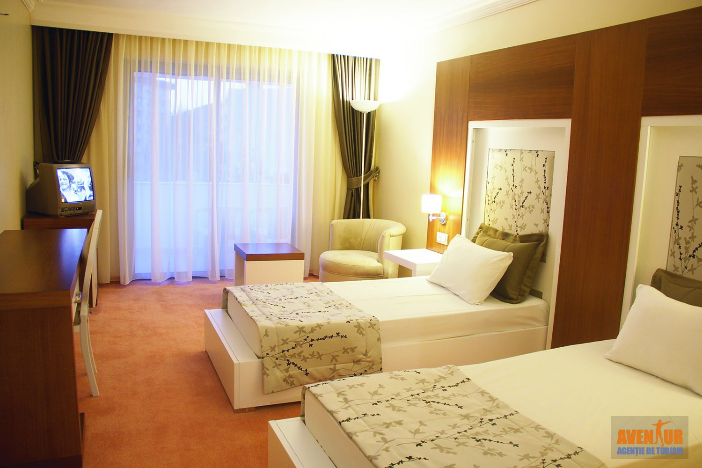 https://aventur.ro/assets/media/imagini_hoteluri/KUSENT/Kusadasi_Sentinus_Hotel_1.jpeg