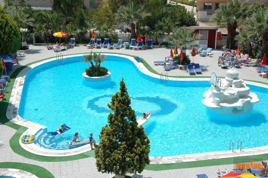 https://aventur.ro/assets/media/imagini_hoteluri/KUTROP/Kusadasi_Tropicana_Garden_Hotel.jpg