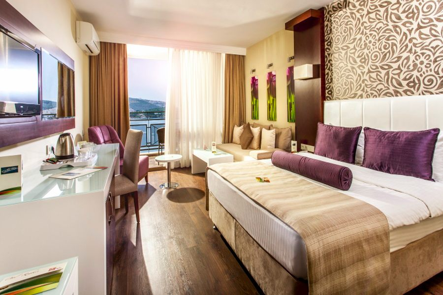 https://aventur.ro/assets/media/imagini_hoteluri/KUTUSA/Kusadasi_Tusan_Beach_Resort_(1).jpg