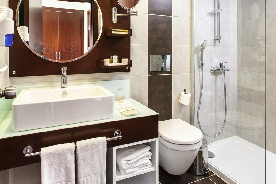 https://aventur.ro/assets/media/imagini_hoteluri/KUTUSA/Kusadasi_Tusan_Beach_Resort_(7).jpg