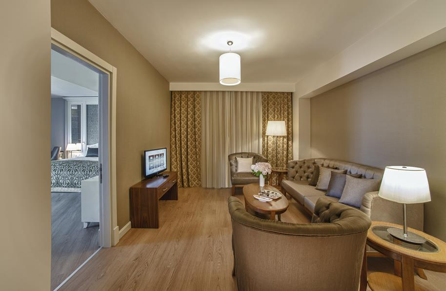https://aventur.ro/assets/media/imagini_hoteluri/LKASKA/LKASKA-HotelPict8-21608.jpg