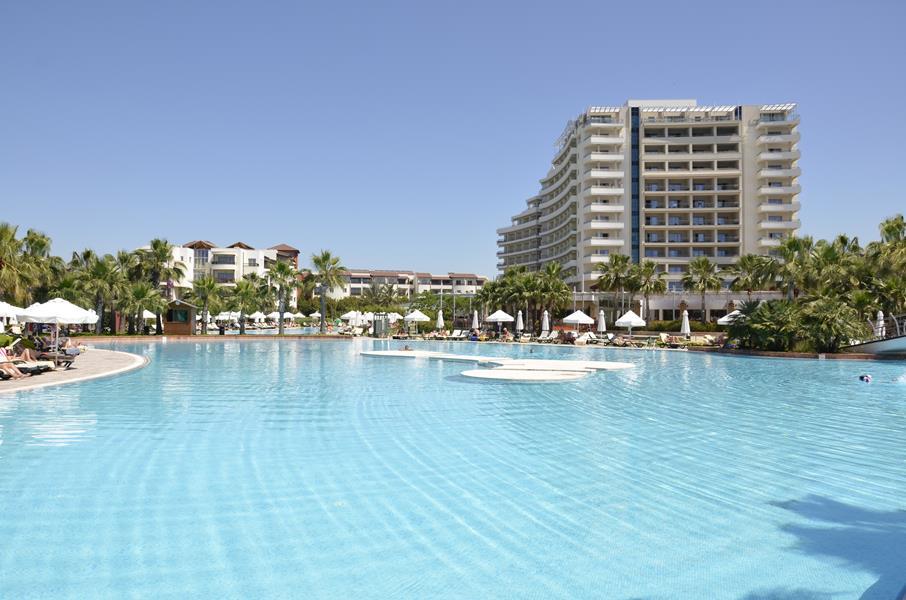 https://aventur.ro/assets/media/imagini_hoteluri/LKBARU/LKBARU-HotelPict1-21612.jpg