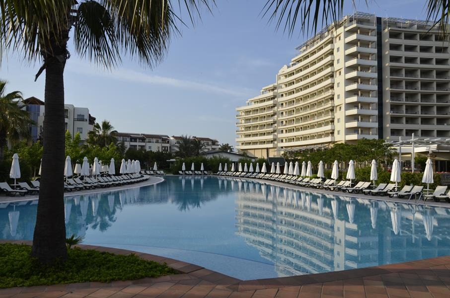 https://aventur.ro/assets/media/imagini_hoteluri/LKBARU/LKBARU-HotelPict3-21615.jpg