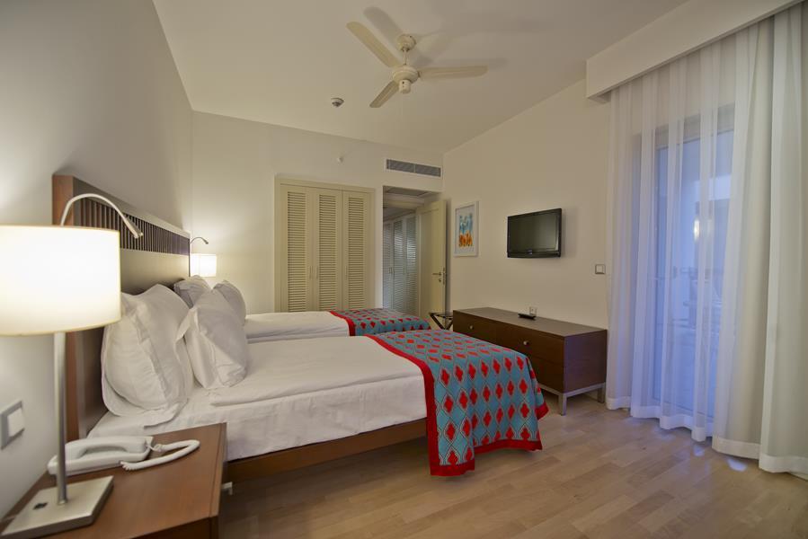 https://aventur.ro/assets/media/imagini_hoteluri/LKBARU/LKBARU-HotelPict9-21621.jpg