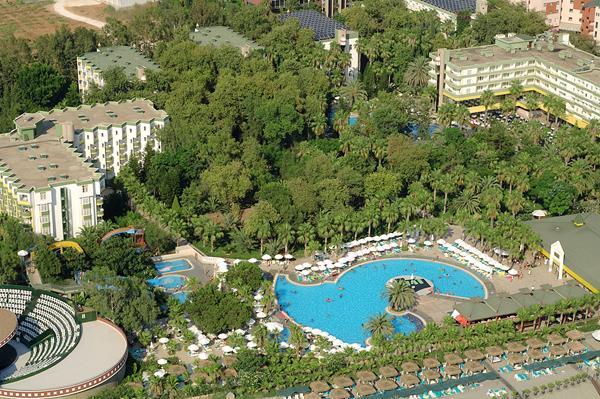 https://aventur.ro/assets/media/imagini_hoteluri/LKDEBO/LKDEBO-HotelPict1-15676.jpg