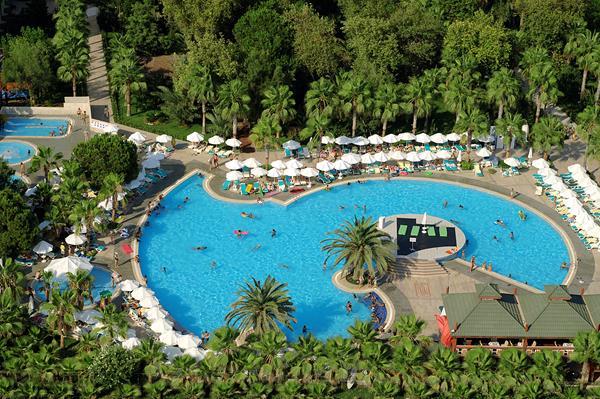 https://aventur.ro/assets/media/imagini_hoteluri/LKDEBO/LKDEBO-HotelPict4-15679.jpg
