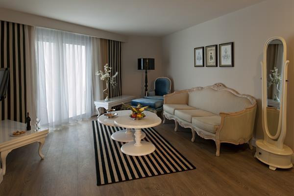 https://aventur.ro/assets/media/imagini_hoteluri/LKDELP/LKDELP-HotelPict9-15163.jpg